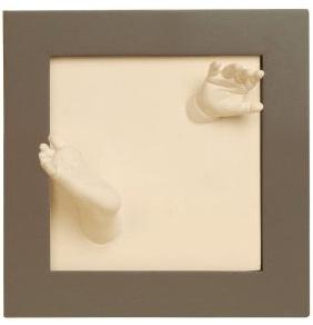Babygeschenke 1 Jahr - Eine Nahaufnahme von einer weißen Wand - Säugling