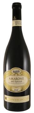 Guter Wein zum Weihnachtsessen - Eine nahaufnahme von einer flasche - Likör